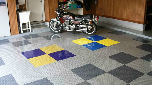 raceday-self-stick-garage-tile